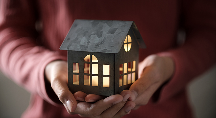 6 Reasons Why Selling Your House on Your Own Is a Mistake   MyKCM